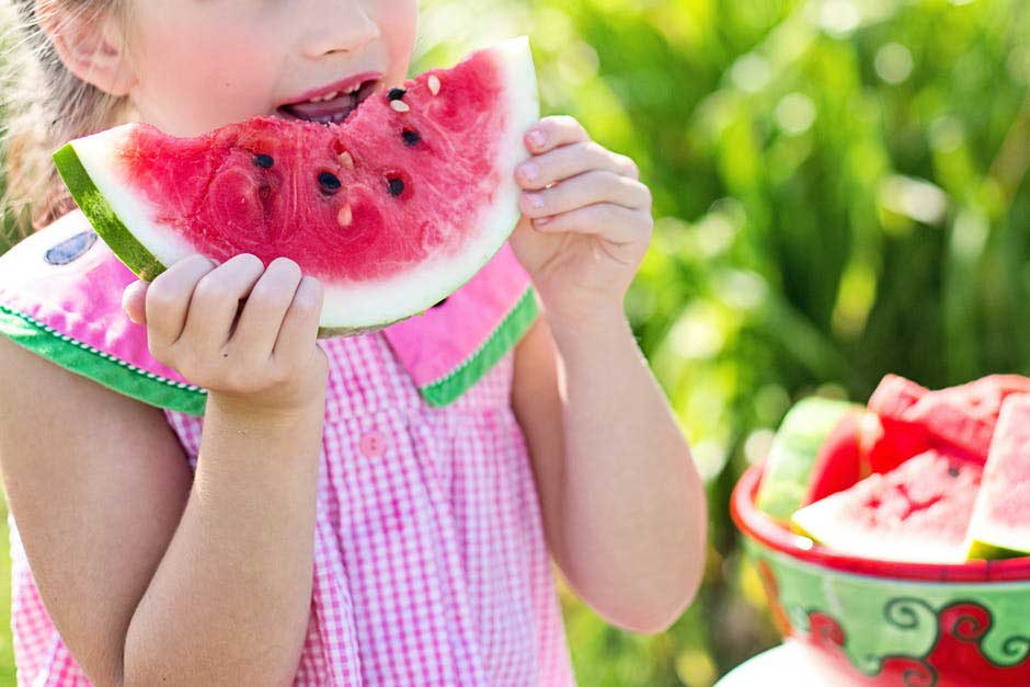 """Featured image for """"How to Help Your Kids Form Healthy Eating Habits"""""""